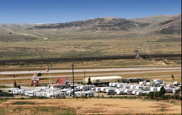Rvpoints Com Red Desert Rose Campground Rawlins Wy