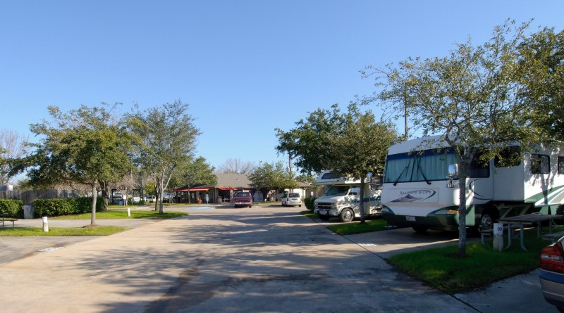 Lakeview Rv Resort - Houston, TX - RV Parks