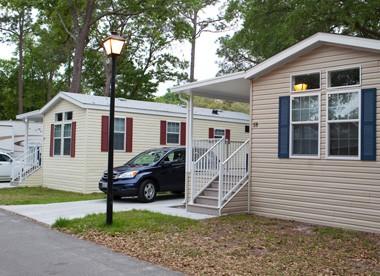 East Tampa RV Resort - Cottage Rental