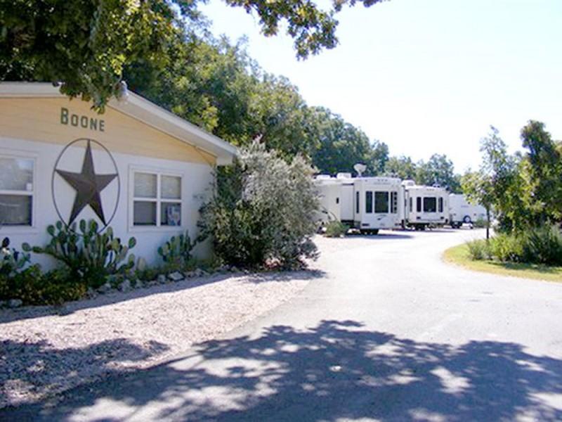 Boone RV Trailer Park - Lampasas, TX - RV Parks