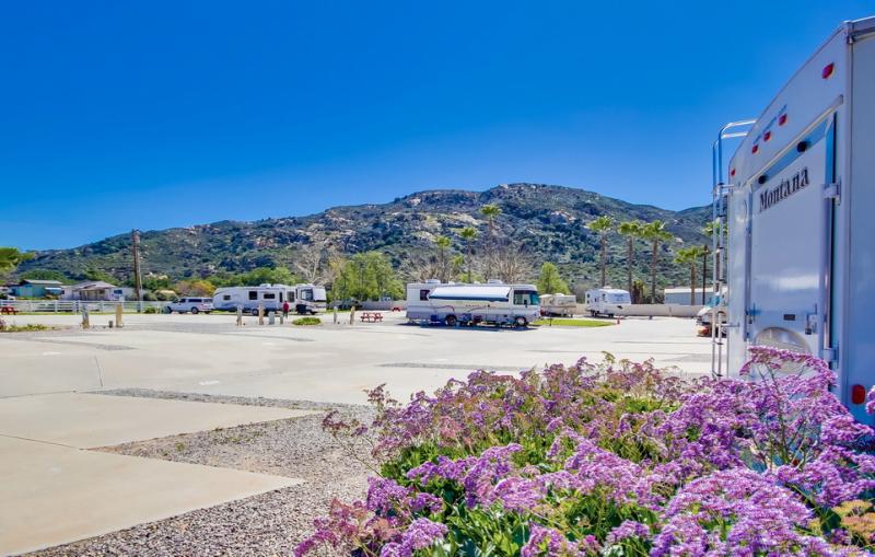 Oak Creek RV Resort - El Cajon, CA - RV Parks
