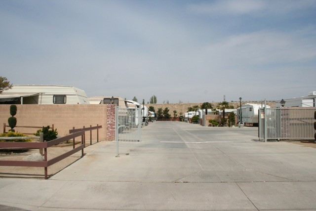 Suncrest Village RV Park - Bakersfield, CA - RV Parks