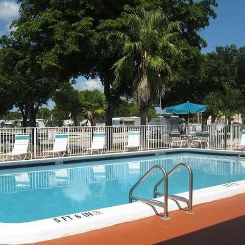 Sunshine Holiday Resort - Fort Lauderdale, FL - Encore Resorts