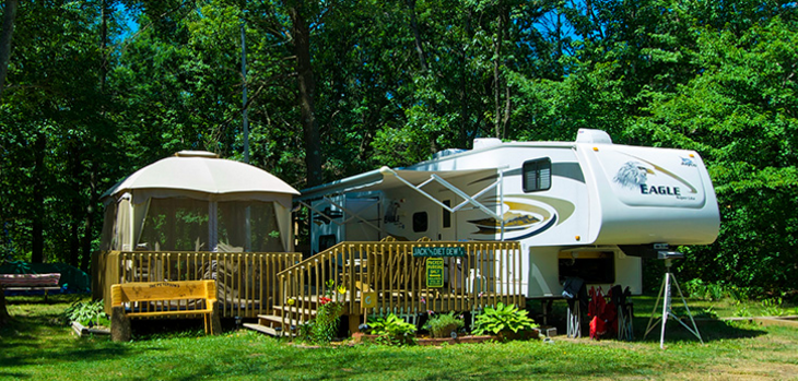 Bass Lake Campground - Lyndon Station, WI - RV Parks