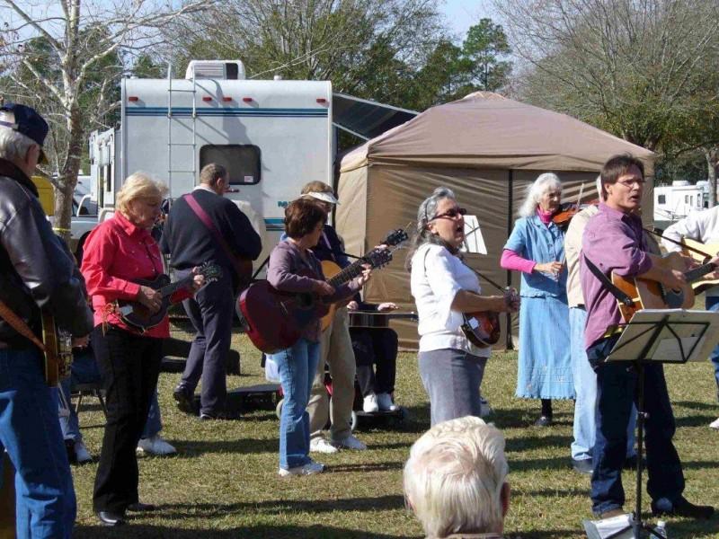 Dixieland RV Park - Waldo, FL - RV Parks