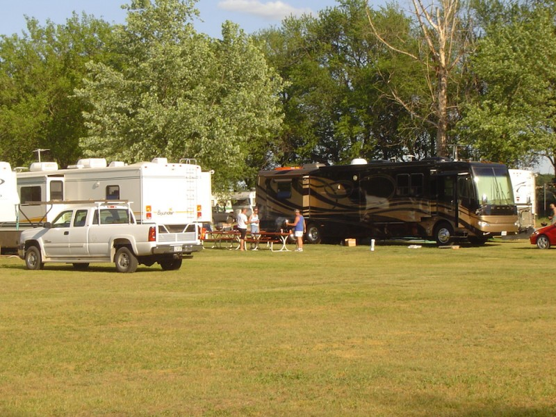 Evening Star Camping Resort - Topeka, IL - RV Parks
