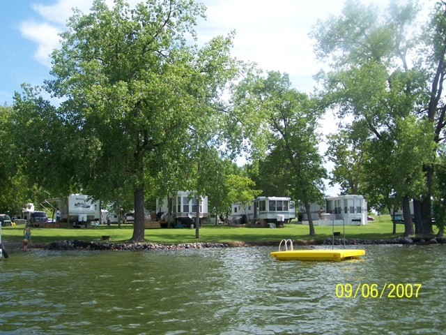 Lake Lizzie Shores Resort and Campground - Pelican Rapids, MN - RV Parks