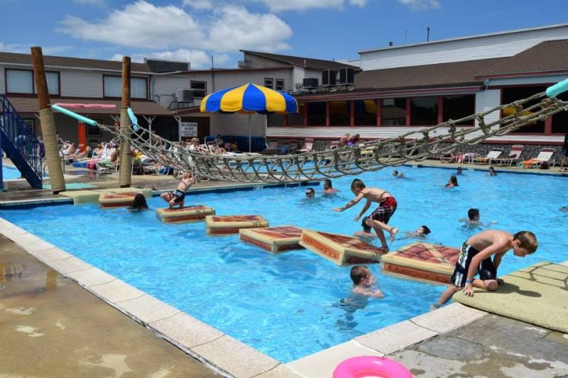 Lake Ridge RV Resort - Hillsville, VA - RV Parks