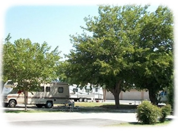 Blackstone North RV Park - Fresno, CA - RV Parks