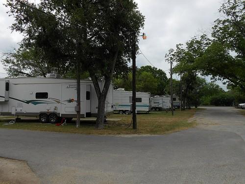 Dixie Kampground - San Antonio, TX - RV Parks
