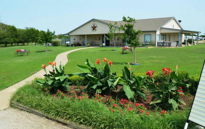 Bluebonnet Ridge RV Park - Terrell, TX - RV Parks