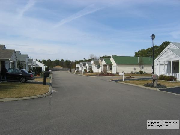 Greenwood Village - Manorville, NY - RV Parks