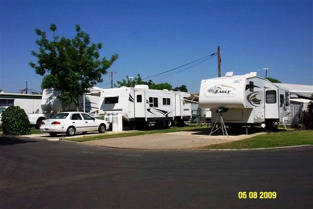 Country Manor RV & MH Community - Visalia, CA - RV Parks