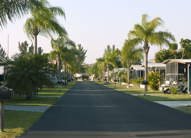Indian Creek RV Resort and Manufactured Home Community - Fort Myers Beach, FL - Sun Resorts