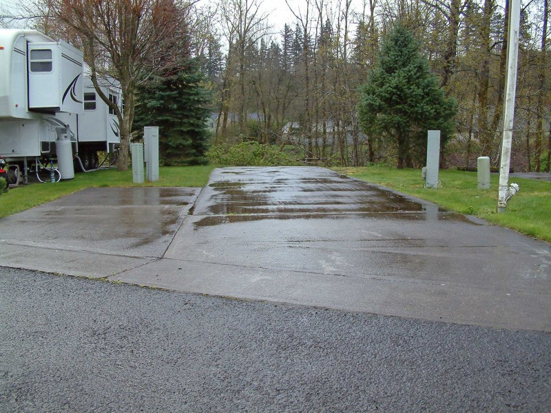 Sandy Riverfront RV Resort - Troutdale, OR - RV Parks