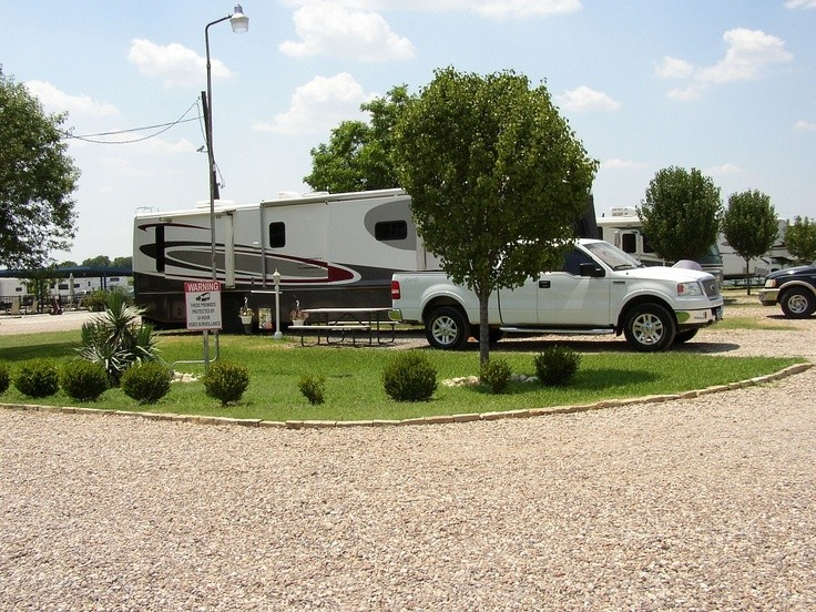 Texan RV Ranch - Mansfield, TX - RV Parks