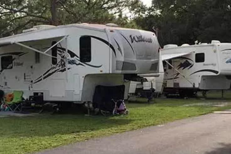 Lakewood Travel Park - Hudson, FL - RV Parks