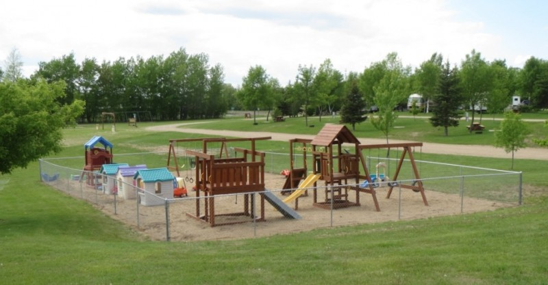 Country Campground - Detroit Lakes, MN - RV Parks