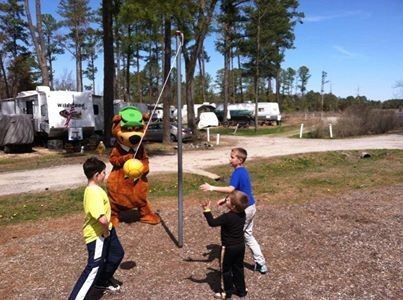 Yogi Bear's Jellystone Park Camp - Resort at Gloucester Point - Hayes, VA - Yogi Bear's Jellystone