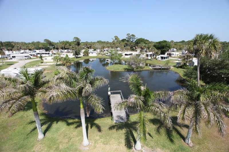 Road Runner Travel Resort - Fort Pierce, FL - RV Parks