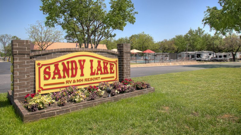 Sandy Lake RV Resort - Carrollton, TX - Sun Resorts