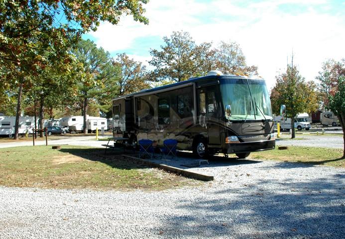 Holiday Travel Park - Chattanooga, TN - RV Parks
