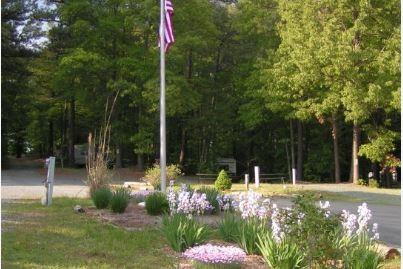 Aquia Pines Camp Resort - Stafford, VA - RV Parks