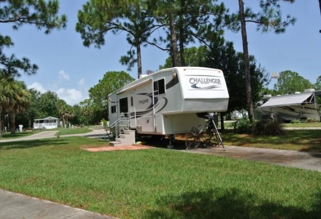 Sunshine Travel RV Park - Vero Beach, FL - Encore Resorts