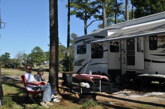 Yogi Bear's Jellystone Park Camp - Resort at Gloucester Point - Hayes, VA - Yogi Bear's Jellystone