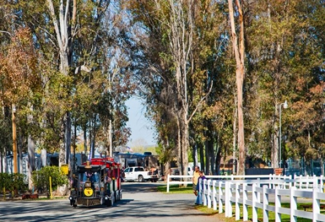 Wilderness Lakes RV Resort - Menifee, CA - Thousand Trails Resorts