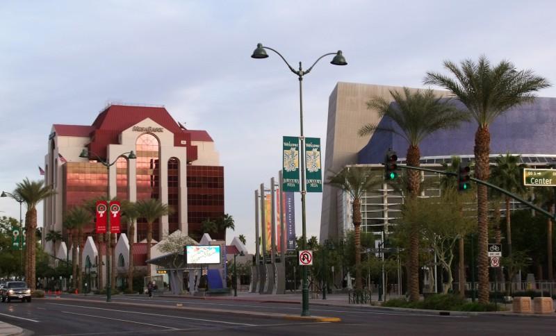 Palm Gardens MHC & RV Park  - Mesa, AZ - RV Parks