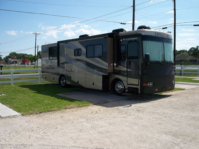 Palms RV Park - Dickinson, TX - RV Parks