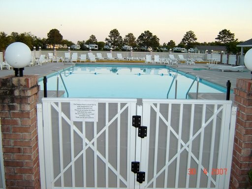 Gulf Breeze Rv Resort - Gulf Shores, AL - RV Parks
