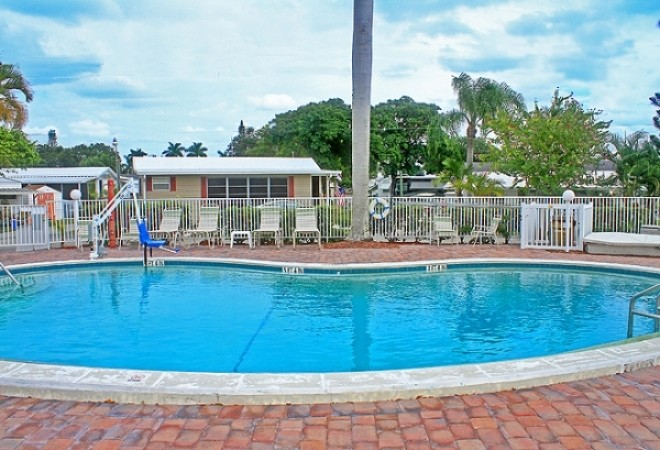 Fort Myers Beach RV Resort - Fort Myers, FL - Encore Resorts