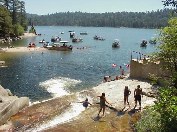 Sierra Recreation Area at Bass Lake - Bass Lake, CA - RV Parks