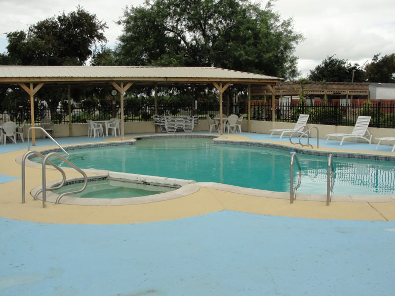 Mission Bell and Trade Winds RV Resort - Mission, TX - RV Parks