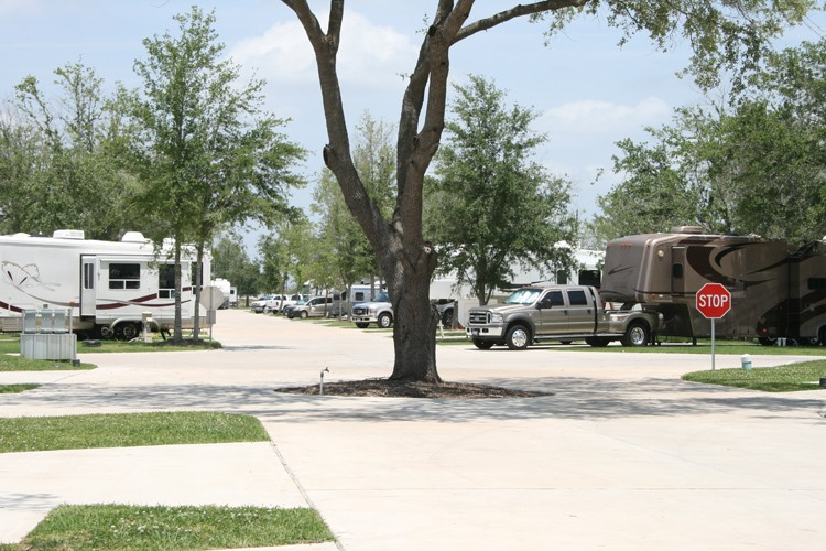 Advanced RV Resort - Houston, TX - RV Parks