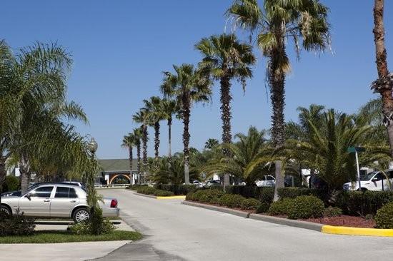 Rainbow RV Resort  - Frostproof, FL - Sun Resorts
