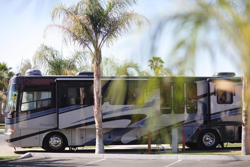 Bakersfield RV Resort - Bakersfield, CA - RV Parks