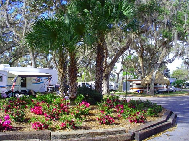 Lake Rousseau RV and Fishing Resort - Crystal River, FL - RV Parks