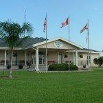 Majestic Oaks RV Resort - Zephyrhills, FL - Sun Resorts