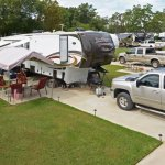 Houston Leisure RV Park - Highlands, TX - RV Parks