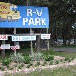 Happy Traveler RV Park - Thonotosassa, FL - RV Parks