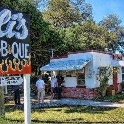 Elis Bar B Que - Dunedin, FL - Food & Drink