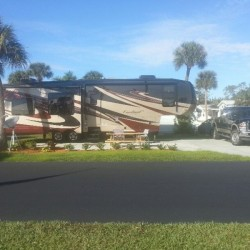Groves RV Resort - Ft. Myers, FL - Sun Resorts