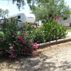 A Country Breeze RV Park - Somerset, TX - RV Parks
