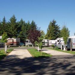 Aurora Acres RV Resort - Aurora, OR - RV Parks