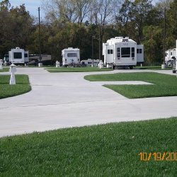 Deer Creek Valley RV Park - Topeka, KS - RV Parks