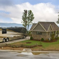 Mountain Falls Luxury Motorcoach Resort - Lake Toxaway, NC - RV Parks