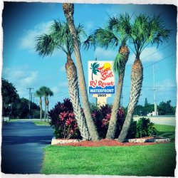 Tampa South Rv Resort - Ruskin, FL - RV Parks
